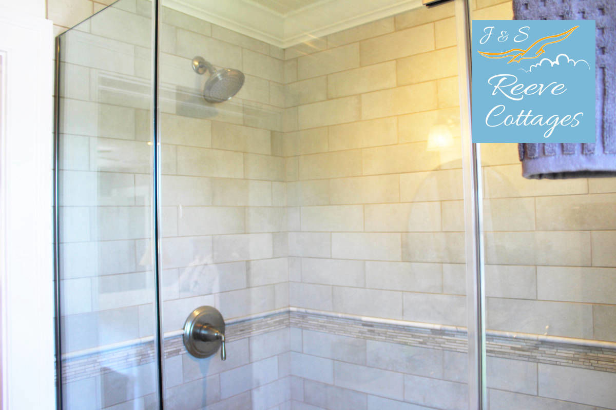 Shared Modern Waterfront Vacation Rental Suite 2 Ensuite Shower